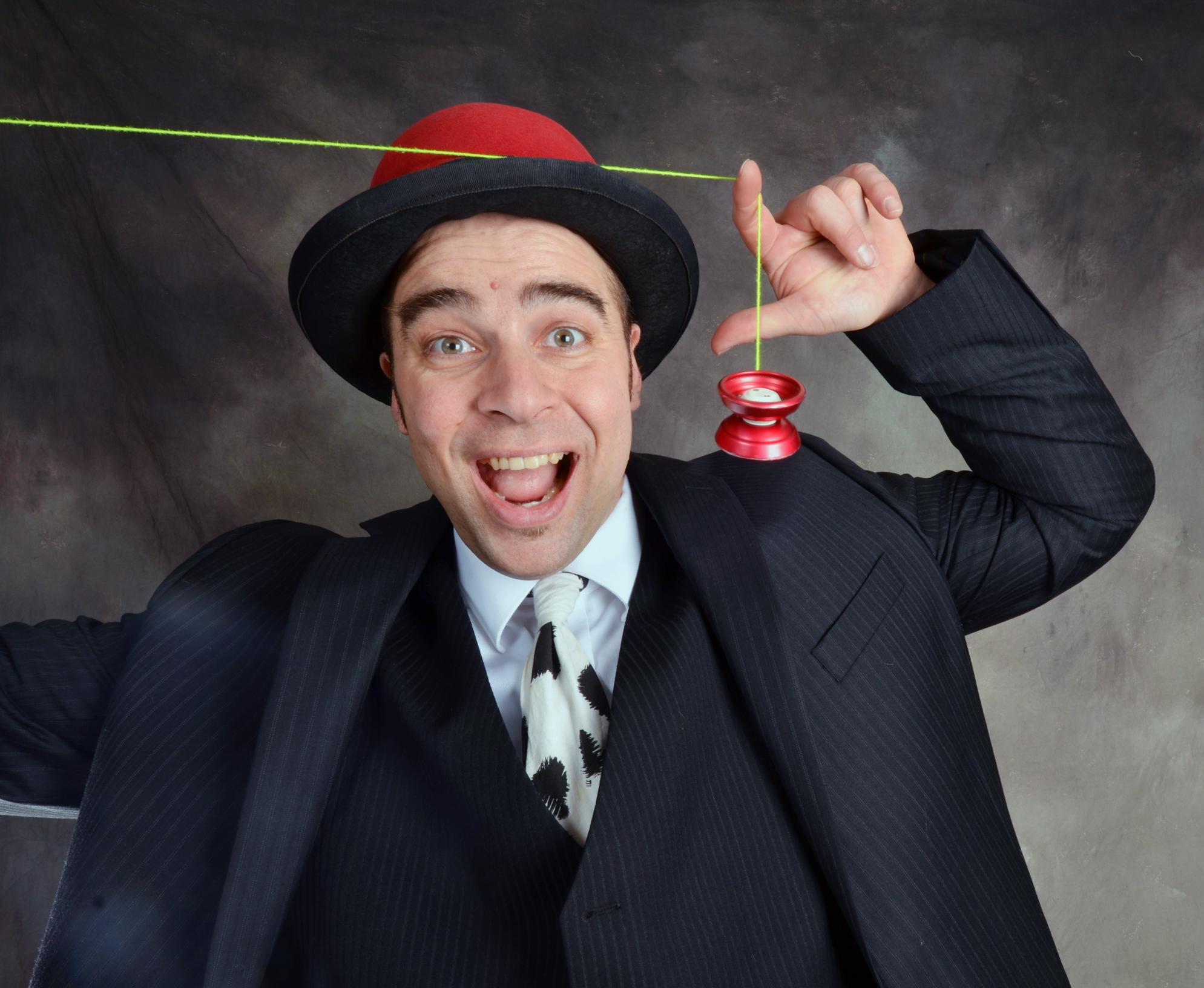 Brian Wilson - Amazing Yo-Yo Skills!